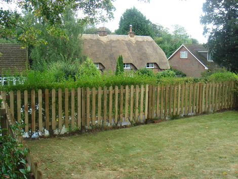 Garden picket fencing installation in Hampshire
