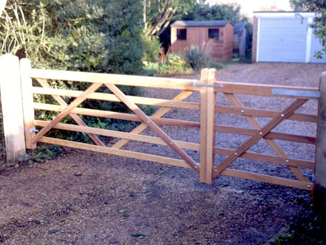 Timber entrance gate in Basingstoke